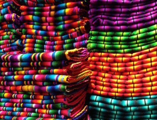 Bald wieder auf Lager: die beliebten Rainbow-Decken aus Guatemala